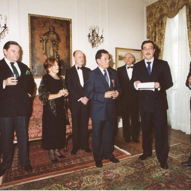 Chilean ambassador to UK Cristián Barros addresses guests